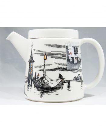 Muumi-teekannu Alkuperää kunnioittaen